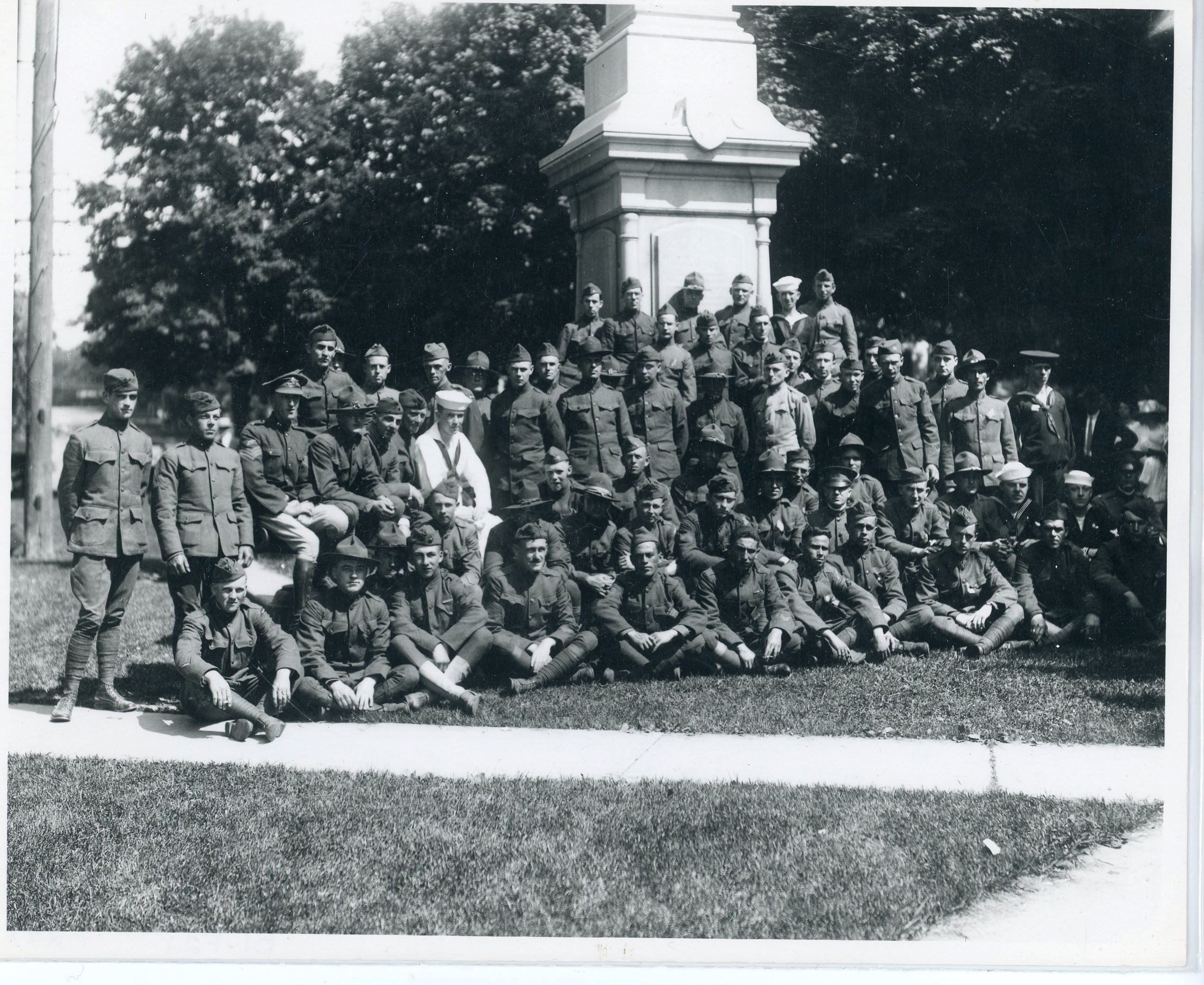 Group portrait of soldiers