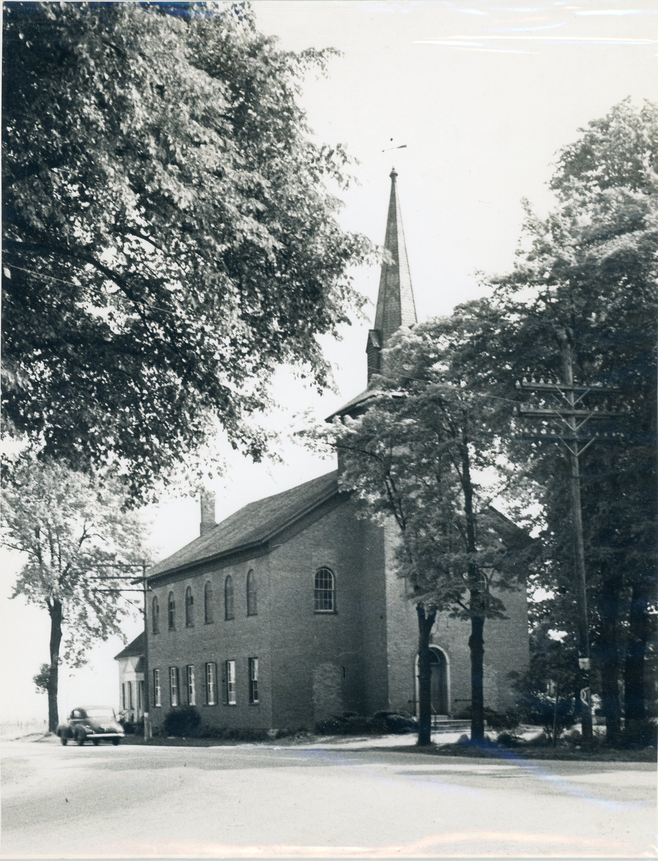 Image of brick First Presbyterian Church in East Avon