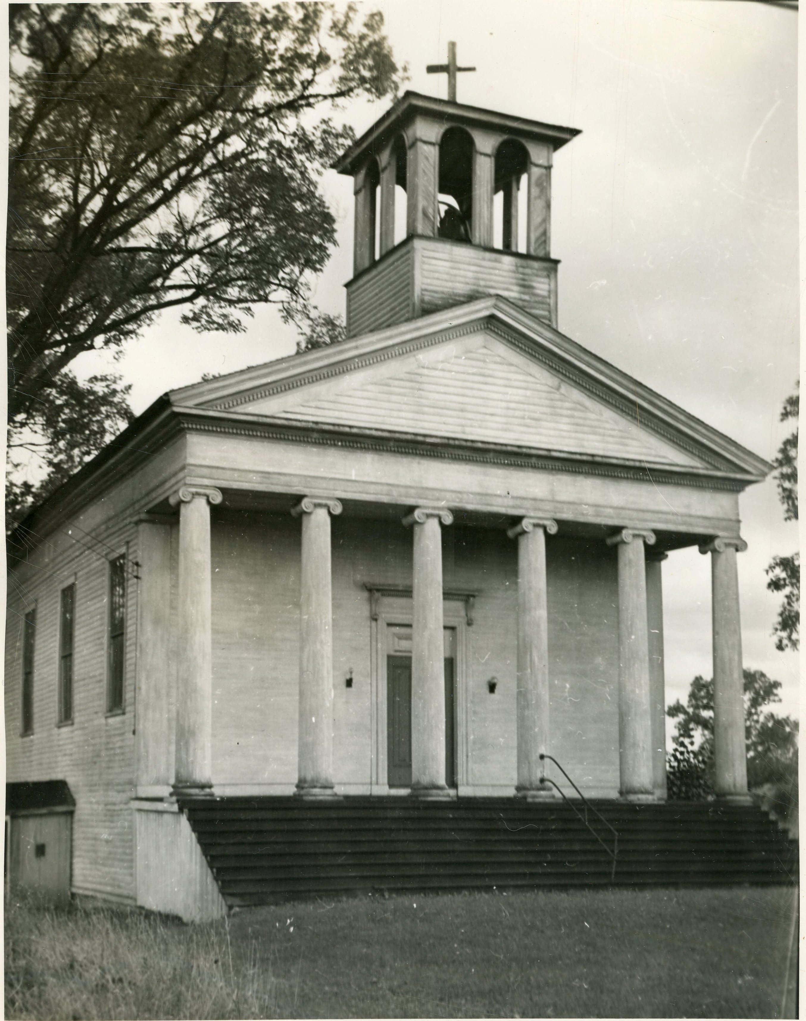 Image of the Greek-Revival style Dutch Reformed Church in Piffard